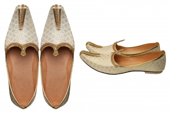 White with Gold Brocade Kids Indian mojdi/Shoes