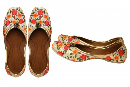 White with Multicolor Floral Embroidery Jodhpuri Women's mojdi / Shoes